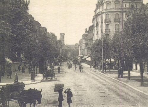 Pau : Rue du Maréchal Joffre / vers 1910 / carte postale / Bibliothèque Patrimoniale Pau / cote 8-084-4