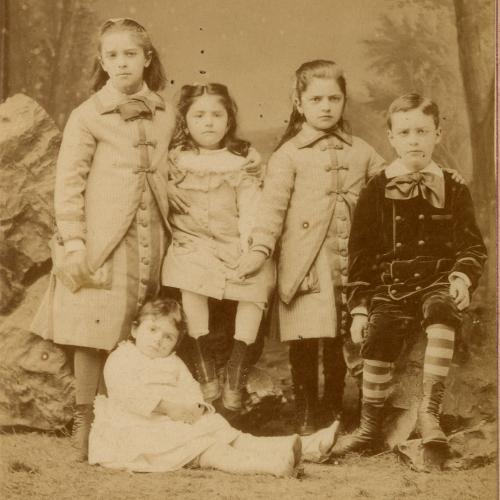 P.-J. Toulet enfant et jeune homme [détail] / s. d. / photographie / Bibliothèque Patrimoniale Pau / cote PHA47-03